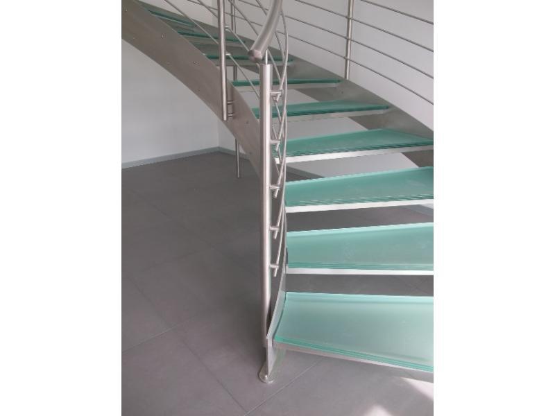 escalier balustrade inox design marches en verre  inoxdesign10