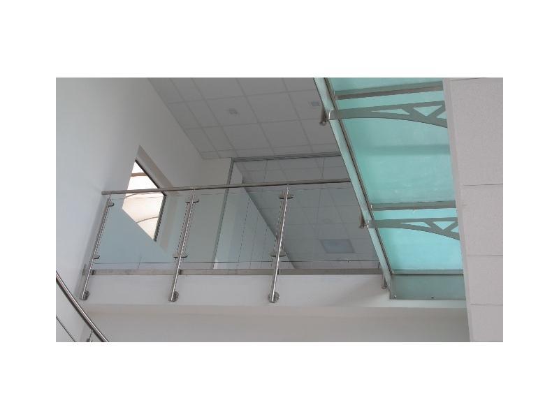 escalier balustrade inox design marches en verre  inoxdesign5