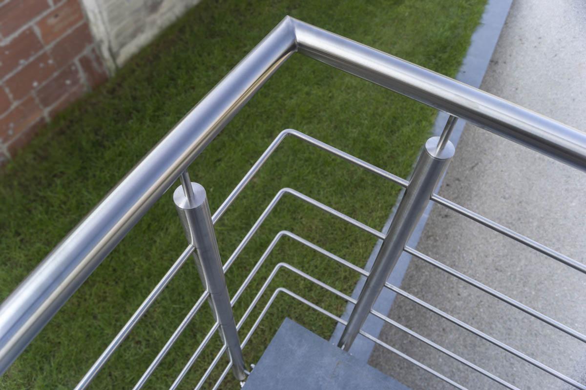 entretenir l'inoxydable de ses rampes escaliers