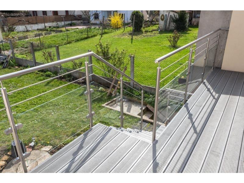 escalier garde corps palier terrasse extérieure dans le Val d'Oise 95